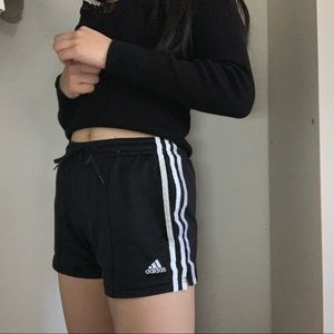 ✨ adidas shorts with pockets